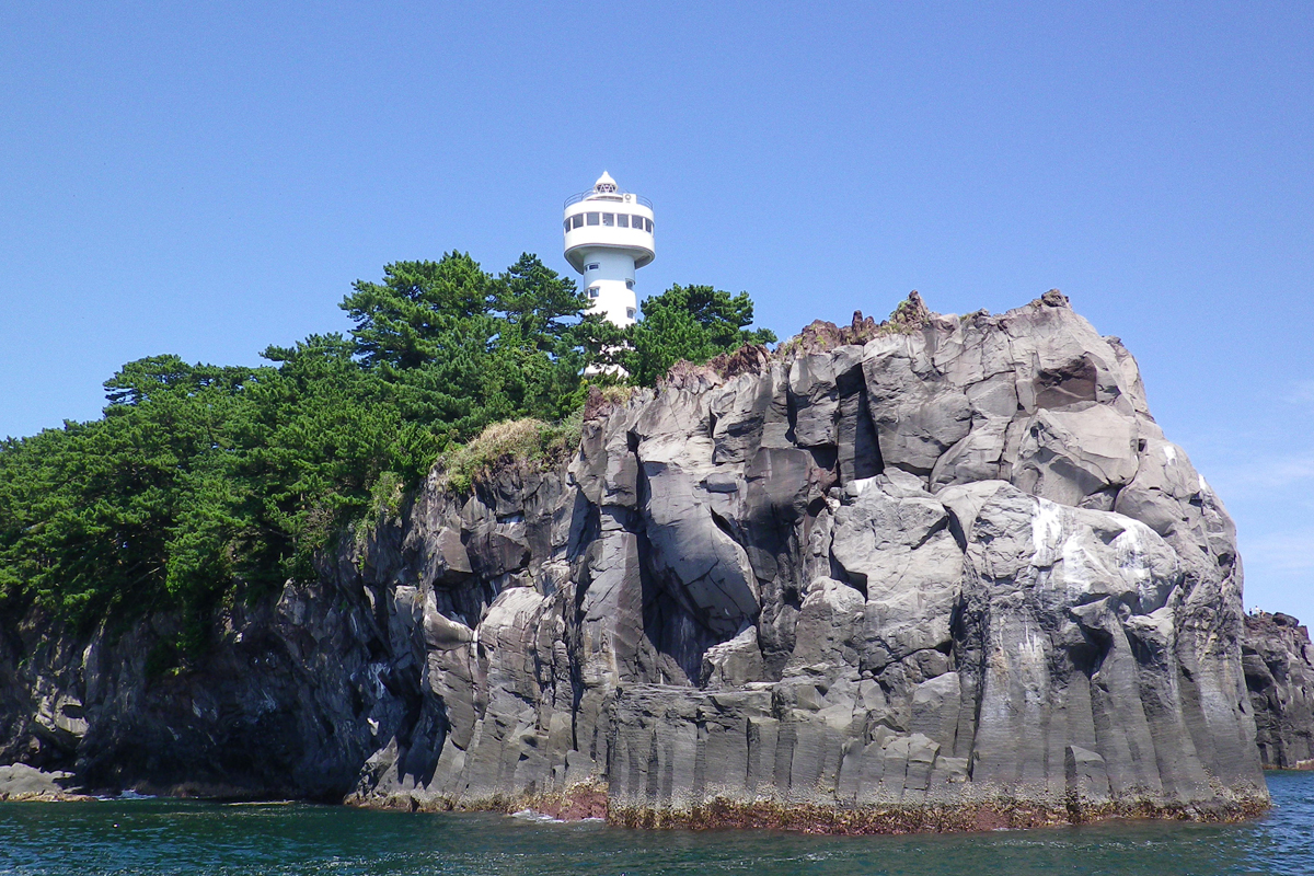 North Jogasaki Coast: Kadowaki Lighthouse