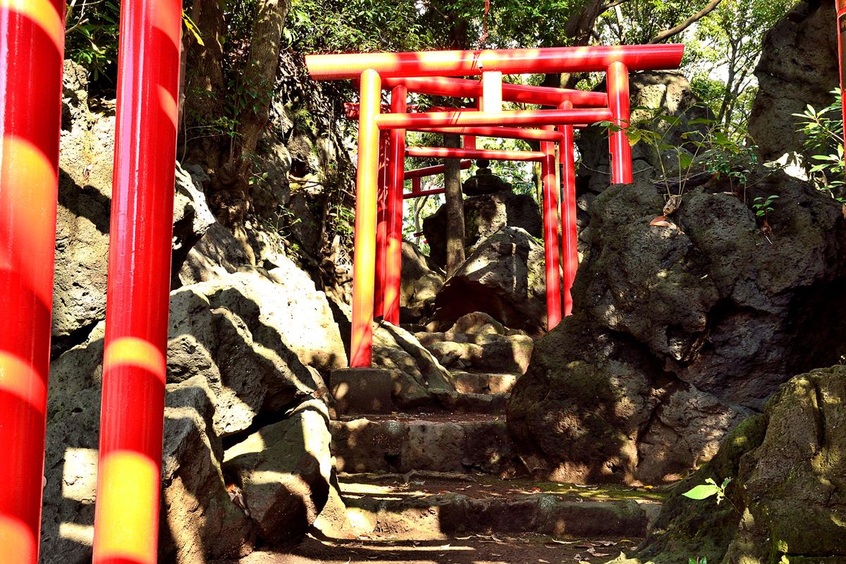 Warikodukainari Shrine
